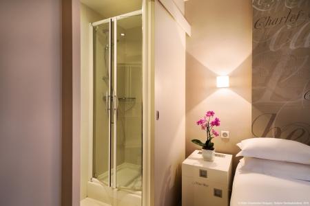 Salle de bain chambre standard - Hôtel Chambellan Morgane
