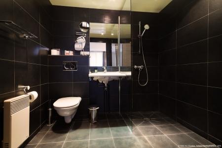 Salle de bain chambre standard - Hôtel Arc Elysées